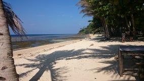 schmutziger weißer Sand des Strandes Lizenzfreies Stockbild
