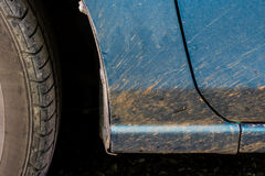 Schmutziges Auto nach Rennen Lizenzfreie Stockbilder