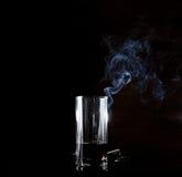 Schmutziges Glas und Rauch Stockfotografie