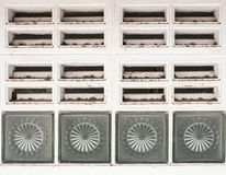 Schmutziges Luftbelüftungsgitter Stockfotografie