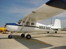 Schön wieder hergestelltes Modell sechziger Jahre Cessnas 150 B Stockbilder