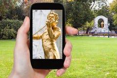 Schnappschuß von Johann Strauss-Statue in Wien Stockfotos