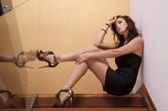 Schöne erwachsene Sinnlichkeitsfrau Stockfoto