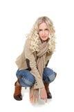 Schöne Frau in der Winterkleidung Stockfotos