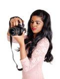 Schöne Frau, die Fotos macht Stockfotos