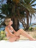 Schöne Frau im Bikini Stockfotografie