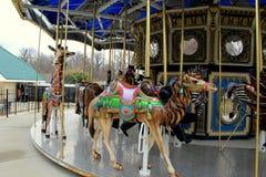 Schöne Kunstfertigkeit im Detail von Karusselltieren, Baltimore-Zoo, Maryland, 2015 Stockbilder