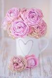 Schöne rosa Rosenblumen Lizenzfreie Stockfotos