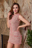 Schöne sexy Frau im Geschäft kleidet Sommerkollektion Lizenzfreies Stockbild