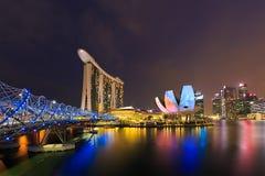 Schneckenbrücke und Wissenschafts-Museum Singapur Lizenzfreie Stockbilder