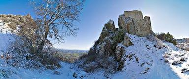 Schnee auf dem Felsen Stockfoto
