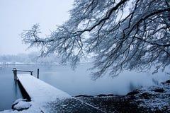 Schnee auf dem Pier Stockfotografie
