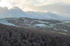 Schnee auf der Schlucht der Abstiege, Grafschaft Wicklow lizenzfreies stockfoto