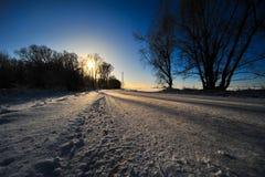 Schnee auf der Straße Stockfoto