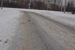 Schnee auf der Straße in der Stadt Lizenzfreie Stockbilder