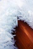 Schnee auf Plattform stockbilder