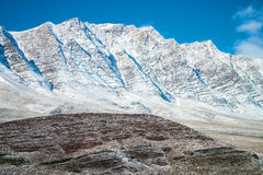 Schnee bedeckte Berge Lizenzfreie Stockbilder