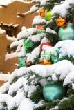 Schnee bedeckte Weihnachtsbaum in Santa Fe New Mexiko Lizenzfreies Stockbild