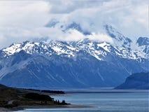 Schnee-Berg in neuem Zeland stockfotografie