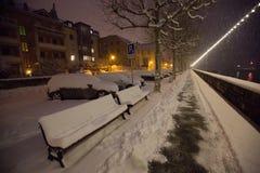 Schnee deckte Bank II ab Stockbild