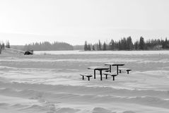 Schnee deckte See und Insel ab Lizenzfreies Stockfoto