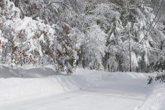 Schnee deckte Straßen ab Stockfoto