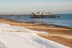 Schnee deckte Strand, St.Leonards-on-Sea ab Stockfotografie