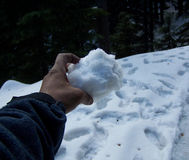 Schnee in der Hand Lizenzfreie Stockbilder