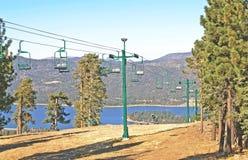 Schnee-Gipfel-Sesselbahn Lizenzfreies Stockbild