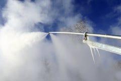 Schnee-Herstellung der Maschine Stockfotos