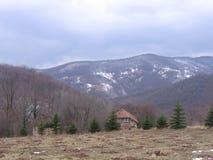 Schnee im Berg Stockfotografie