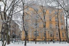 Schnee im Park krakau polen Stockbild