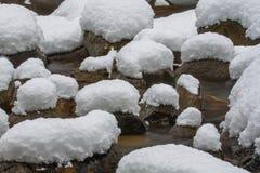 Schnee-Kissen Stockfotografie