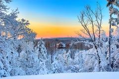 Schnee-Land-Haus Stockfoto