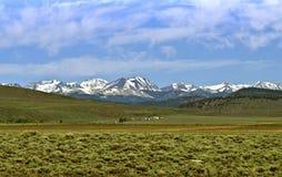 Schnee mit einer Kappe bedeckte Berge, Sierra Nevada-Ansicht Stockbild