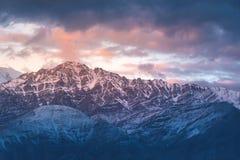 Schnee Mountain View von Bezirk Leh Ladakh, Northerteil von Indien stockfotografie
