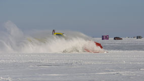 Schnee-Pflug auf See stockbilder