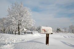 Schnee umfaßte Landschaft Stockfotografie