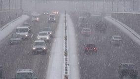 Schnee-Wirbelsturm in der Stadt stock video footage