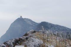 Schneeansicht vom Emei Shan Stockfotografie