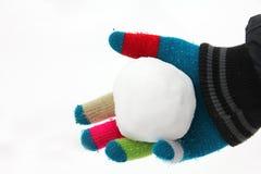Schneeball in der Hand stockfotos