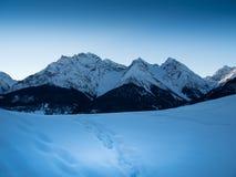 Schneebedeckte Berge Stockfotos