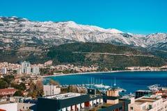Schneebedeckte Berge von Budva Lizenzfreie Stockbilder