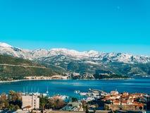 Schneebedeckte Berge von Budva Lizenzfreies Stockbild