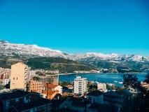 Schneebedeckte Berge von Budva Lizenzfreies Stockfoto