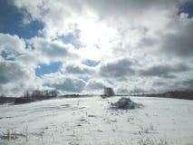 Schneebedeckte Landschaft des Winters lizenzfreies stockfoto