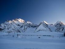 Schneebedeckte Spitzen Lizenzfreie Stockfotografie