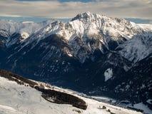 Schneebedeckte Spitzen Stockbilder