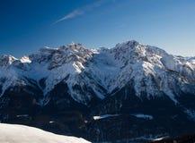 Schneebedeckte Spitzen der Sesvenna-Gruppe Stockfoto