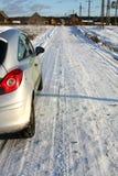 Schneebedeckte Straße des Dorfs Lizenzfreie Stockfotografie